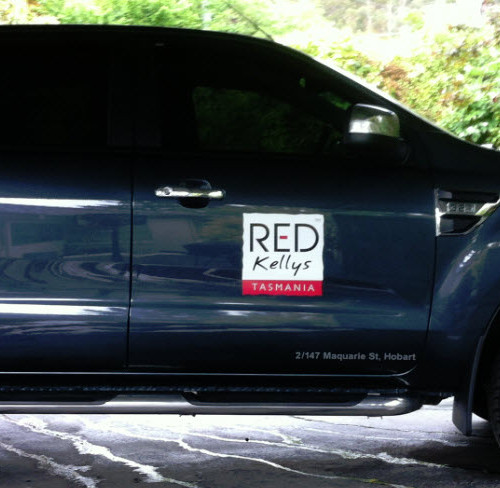 Car Logo Graphics red kellys